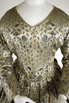 Dress, ca 1840. Pleats instead of gauging at the waistline