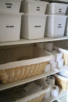 linen closet organization http://tart-house.blogspot.com/search?updated-max=2011-01-05T09:04:00-07:00&max-results=7
