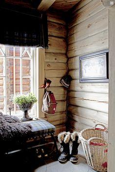 for my little swiss chalet Winter Cabin, Cozy Cabin, Cozy Cottage, Winter Mountain, Swiss Chalet, Mountain Cottage, Chalet Style, Vintage Cabin, A Frame Cabin