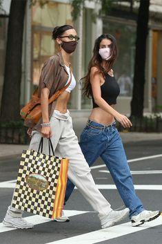 Bella Hadid Outfits, Bella Hadid Style, Look Fashion, Fashion Models, Fashion Bella, Cute Casual Outfits, Summer Outfits, Celebrity Casual Outfits, Mode Dope