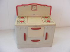 Vintage Wolverine tin child's play stove, 1940's - 1950's.