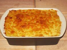 MALZEMELER 4 adet patates 300 gr kadar süt 1 yemek kaşığı tereyağ 250 gr taze kaşar peyniri Deniz tuzu,karabiber ...
