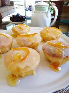 How to Make Valerie Bertinelli's Lemon Love Cake Cupcakes, Cupcake Cakes, Other Recipes, Sweet Recipes, Cake Pops, Delicious Desserts, Yummy Food, Vegan Junk Food, Vegan Restaurants