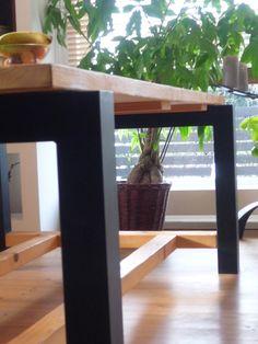massiver Esstisch  von terelak.home-design auf DaWanda.com