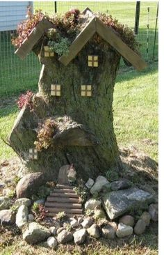 Fairy house from a tree stump. - Garden design ideas Fairy house from a tree stump. Things to consider for a beautiful garden Basic principles of garden design Use th. Mini Fairy Garden, Fairy Garden Houses, Gnome Garden, Dream Garden, Garden Art, Fairy Gardening, Fairy Tree Houses, Organic Gardening, Fairies Garden