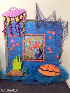 My students love these Disney themed bulletin board! Check out these ideas for cute Finding Nemo and 101 Dalmatian boards. Fish Bulletin Boards, Disney Bulletin Boards, Summer Bulletin Boards, Classroom Bulletin Boards, Classroom Themes, Classroom Organization, Eureka School, Disney Classroom, School Displays