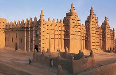 Great Mosque, Mali, which is the world's largest earth building.