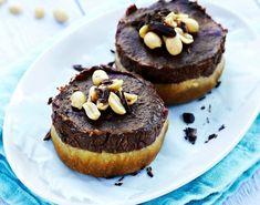 Sukkerfri sjokoladepai full av proteiner Cheesecake, Muffin, Breakfast, Desserts, Food, Morning Coffee, Tailgate Desserts, Deserts, Cheesecakes