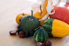 Pick up small gourds, chestnuts, and Indian corn to decorate the table #partycrafters #autumn #fall