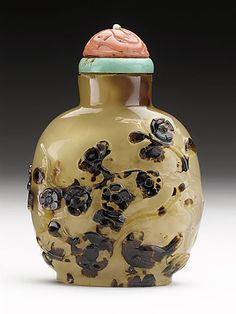 Snuff Bottle (Biyanhu) with Bird and Blossoming Branches, China, Late Qing dynasty, about 1800-1911, Carved agate, with coral and turquoise stopper