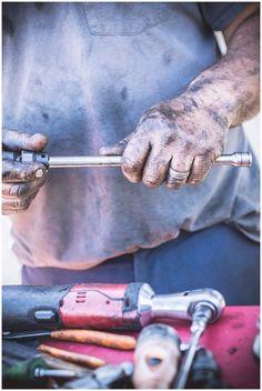 How photographing auto mechanic shops made me a stronger event photographer. Male Photography, Lifestyle Photography, Running Bear, Mechanic Shop, Environmental Portraits, Auto Service, Event Photographer, Car Shop, Rowan