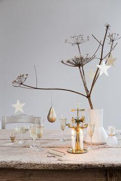 Simple Scandinavian Christmas styling