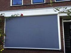 Paar ritsscreens  geplaatst in Houten.  #screens #screen #gewoonscreen #swelacollectie #copacocollectie #screenindruten #druten #drutenservice #heerlen #jvszonwering #onlineshopscreens #houtenscreens