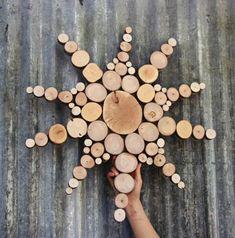 Nástenné plastiky vyrobené z regenerovaného dreva
