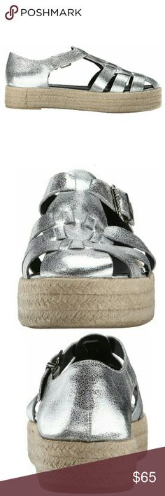 0717b33628c5 NWT - SAM EDELMAN Leather Silver Flatforms- SZ 9 Totally on trend are these  SAM