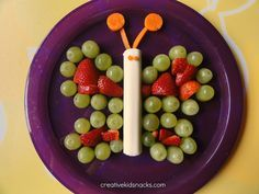 What a cute butterfly snack! Lots of fruit and so much fun for the kiddos