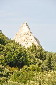 La Piramide d'oro - Loc. Lanciacarri (Luogosanto)