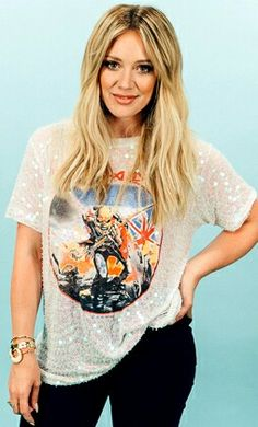 Bad ass tee shirt and skinny jeans. Get more Hilary Duff style inspiration in Younger on TV Land. Watch the latest episode at http://www.tvland.com/shows/younger.