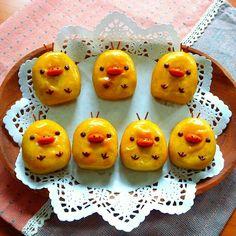 Cute Food, Good Food, Cute Bento, Funny Cake, Snack Recipes, Snacks, Moon Cake, Japanese Sweets, Food Design