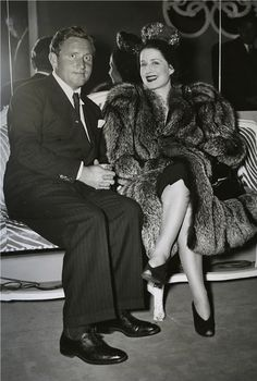 Spencer Tracy caught on camera with Norma Shearer Hollywood Party, Hooray For Hollywood, Old Hollywood Glamour, Golden Age Of Hollywood, Vintage Hollywood, Classic Hollywood, Hollywood Stars, Vintage Glamour, Popular Actresses