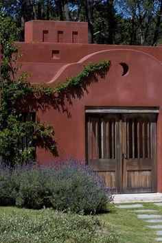 Spanish Farmhouse Exterior - Luxury Spanish Farmhouse Exterior , Jogja Story Page 41 Stucco Homes, Stucco Exterior, Exterior House Colors, Exterior Paint, Farmhouse Style Furniture, Country Farmhouse Decor, Farmhouse Trim, French Exterior, Farmhouse Paint Colors