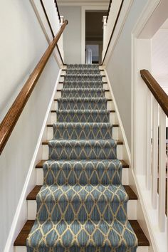 Carpet Runners For Stairs Canada Stairway Carpet, Staircase Carpet Runner, Hallway Carpet Runners, Stair Runners, Rug Runners, Dark Carpet, White Carpet, Patterned Carpet, Stair Runner Installation