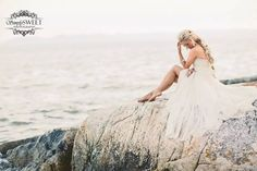 The ocean stirs the heart, inspires the imagination and brings eternal joy to the soul. Style shoot wt @nomobabii hair by @anniemilihair flowers in hair by @jfotoohi dress by @truvellebridal jewels by @jewelietteshop styling and makeup by moi! www.jasminehoffman.com