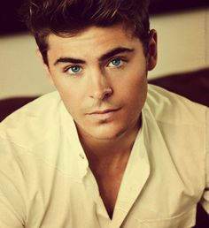 oh how i love zac efron.