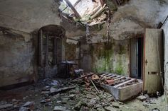 Urban exploration ERNEST Sebastien bestarns abandoned place | residential page 11