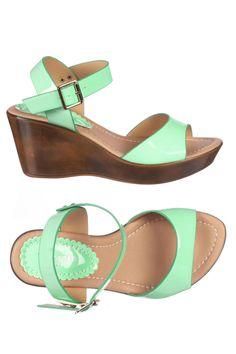 Venda Torrente Jeans / 8059 / Sandálias / Sandálias de Cunha Casual / Sandálias Verde. De 110€ por 29€.