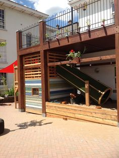 Under Deck Playsets - Small Backyard Ideas Unter Deck Spielsets - Kleine Hinterhof-Ideen Backyard Play, Backyard Patio Designs, Small Backyard Landscaping, Backyard For Kids, Backyard Ideas, Kids Yard, Pergola Designs, Patio Ideas, Cubby Houses