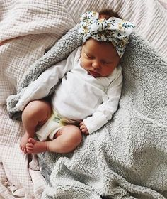 Outstanding Baby sleep problems information are available on our website. Check it out and you wont be sorry you did. Baby Pictures, Baby Photos, Newborn Pictures, Baby Outfits Newborn, Newborn Fashion, Cute Babies Newborn, Adorable Babies, Everything Baby, Baby Kind