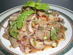 Neu-ah Nam Tok (Thai Spicy Beef Salad or Larb Beef