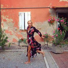 V tomto Taliansku je vsetko super aj stare domy a kompletna kultura gastronomia a moda, Taliani su proste skveli ❤️#inlove #travel #italygram #vintage #house #architecture #house #countryside #home #flowers #nature #dress #style #fly #fashion #dynamic #freedom #moment #photography #instadaily