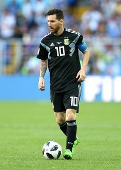 Lionel Messi of Argentina runs with the ball during the 2018 FIFA World Cup Russia group D match between Argentina and Iceland at Spartak Stadium on June 2018 in Moscow, Russia. - 315 of 498 God Of Football, National Football Teams, Football Memes, Football Gif, Messi Soccer, Messi 10, Fc Barcelona, Real Madrid, Argentina Football Team