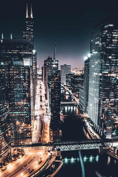 During a cold Chicago Night. Chicago At Night, Chicago City, Chicago Skyline, Night Aesthetic, City Aesthetic, Travel Aesthetic, Chicago Photography, City Photography, City Wallpaper