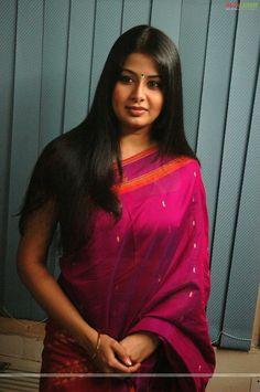 Beautiful Girl Indian, Most Beautiful Indian Actress, Beautiful Girl Image, Beautiful Saree, Beautiful Women, Indian Hair Cuts, Long Indian Hair, Indian Natural Beauty, Indian Beauty Saree