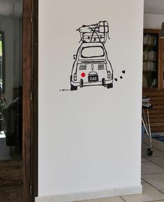 Mel et Kio studio le Prédeau-Sticker dessin Stickettes © Sticker mural voiture Le Pré d'Eau - Titine stickers 46x45cm