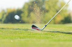 Wer am klassischen Golf bereits seinen Spaß hat, dem wird Adventure Golf erst recht gefallen: beide Sportarten liegen nicht allzu weit voneinander entfernt.