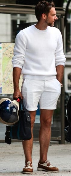 How to Wear White Shorts For Men looks & outfits) White Outfit For Men, White Outfits, Fashion Moda, Men Fashion, Fashion Menswear, Mens Fashion Shorts, Italian Mens Fashion, Style Fashion, Latex Fashion