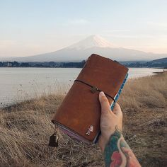 Samui! I'm very lucky to able to see a clear view of Mount Fuji on my second day ❤️ #midoritravelersnotebook#diary#journal#midori#travelersfactory#文具#手帳#journaling#planneraddict#wreckthisjournal#mountfuji#fujisan