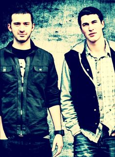 Timeflies <3 can i meet you NOW? Cal especially! <-----ahahaha met these guys! Got to kiss each of them! GREAT GREAT guys!!