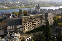 Home sweet home Places To See, Places Ive Been, Chateau De Blois, Francois 1, Chambord, Grand Homes, French Chateau, France, Le Moulin