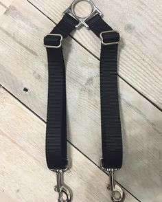 The double leash connector is one of my favorite accessories! I love using this to walk 2 of my dogs with just one leash! Best part is that it's tangle free when used with one of our leashes since we use swivel snap hooks!  Different color nylon webbing available!  #etsy #etsyshop #etsystore #etsyhandmade #lunasdogboutique #smallshopbigdreams #dogaccessories #dogleash #dogsofinstagram by lunasdogboutique