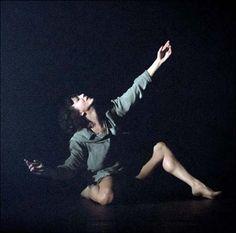 Lisbeth Gruwez | Danse | Lisbeth Gruwez dances Bob Dylan. Rencontres Chorégraphiques Internationales de Seine-Saint-Denis. | Pantin. Banlieues Bleues. La Dynamo