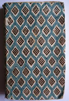 Papier dominoté en couverture. Impression de 1743. Collection B.D.