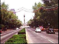 Avenida Paseo de la Reforma en México