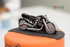 Let´s Ride!!  www.mocka.co  #mocka #pasteleria #cake #cakeshop #bike #motorcycle #motocicleta #moto #ponque #pastel #torta