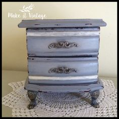 Vintage Jewelry Music Box in gray Swan Lake by MakeitVintge Etsy Vintage, Vintage Shops, Vintage Items, Vintage Jewelry, Ring Pillow, Swan Lake, Milk Paint, Shabby Chic Decor, Heart Shapes