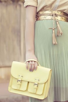 I don't like the shirt but I love the purse and belt.  The skirt is nice too :)  Pastels - fashion by uncarnetsanspages, via Flickr
